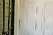 Lockbox with door key