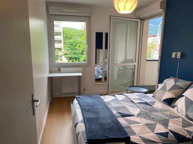 Chambre privée avec balcon et vue sur le Nivolet