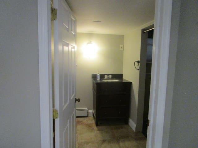 Private Studio Apartment/Newly renovated