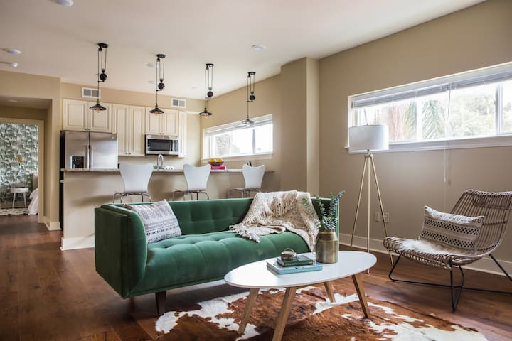 Sonder | The Bywater | Stylish 2BR
