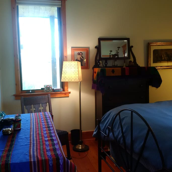 Queen bed, two dressers, rocking chair