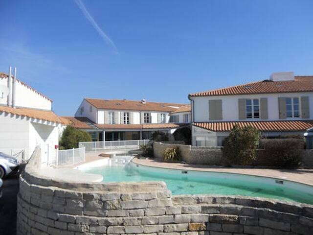 Duplex dans résidence avec piscine - La Couarde-sur-Mer - Apartment