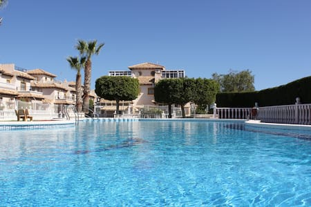 Some sunny days in the best climate - Orihuela - Huis