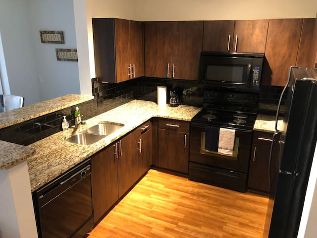 Business/Leisure Travel Condo In The Heart Of ATL