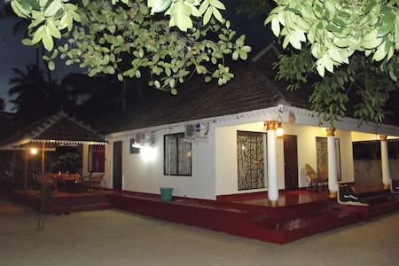 ..marari sea scape villa - Mararikulam - Bed & Breakfast