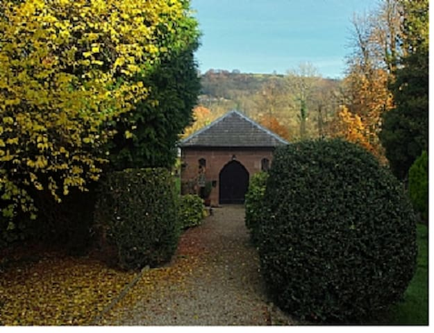 Charming Romantic Love Nest Converted Chapel for 2 - Wirksworth