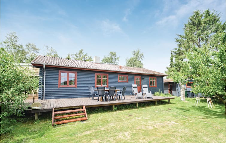 Holiday cottage with 2 bedrooms on 110m² in Torrig L