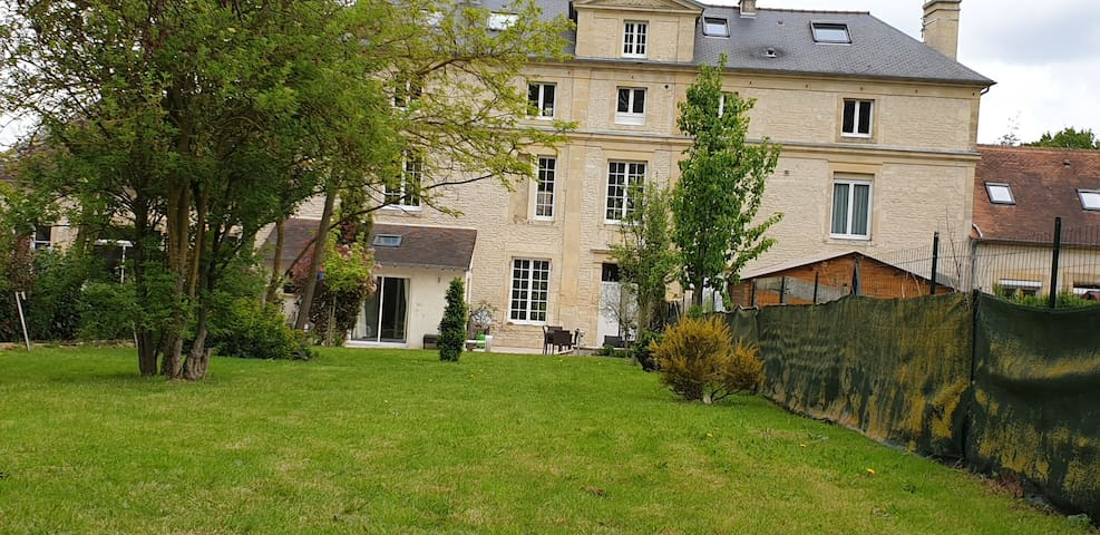 Charmantes Maison Familiale en pierre de Caen