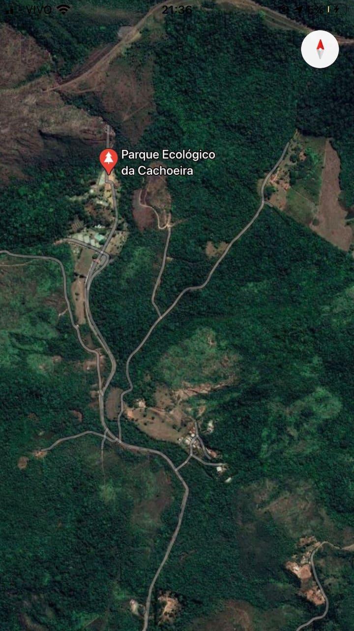 Casa de campo a 300 m do PARQUE DA CACHOEIRA
