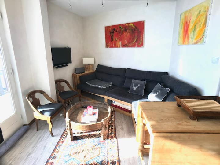 Spacious 3 bedroom apartment with great views in Tignes 2100m. ref 2100b