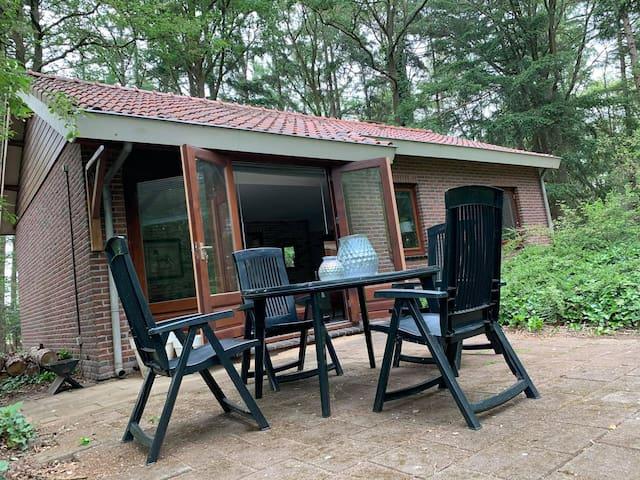 Prachtig solitair vakantiehuisje in het bos