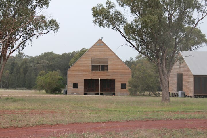 Yarrabandai Creek Homestead - Burrawang West Cabin