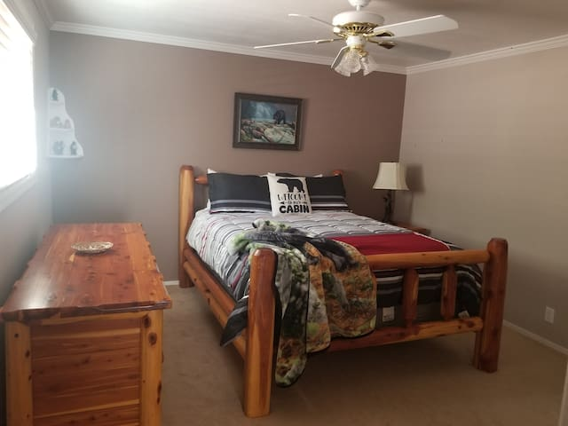 Bear Room with queen size bed