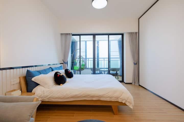 「山海观」全海景大床公寓·1.8米大床·沙发·大阳台·朝可看晨曦·暮能赏落日·电磁炉·冰箱·洗衣机