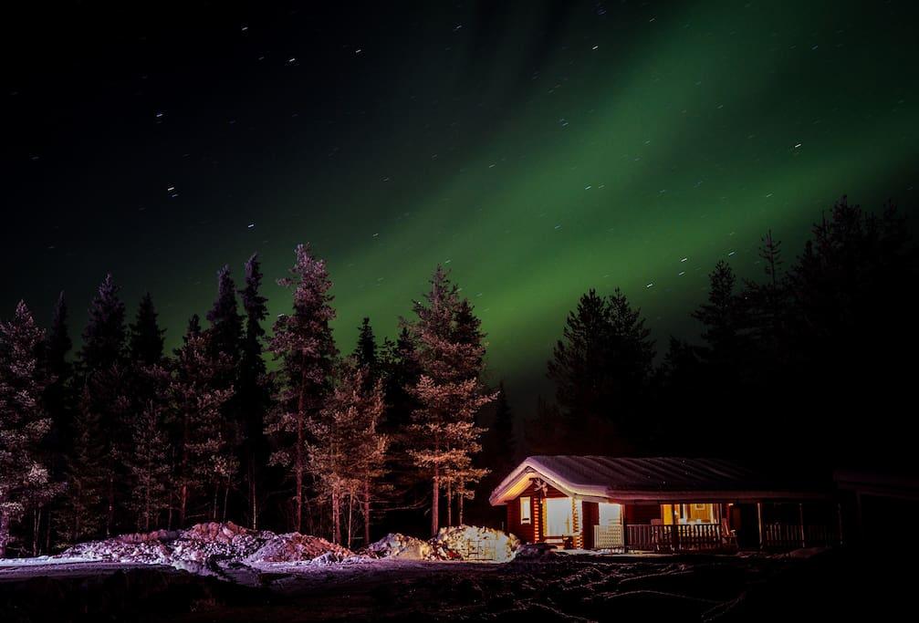 Cozy log cabin in lapland with wood fired sauna alloggi for Piani di cabina di tronchi di 2 camere da letto