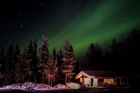 Cozy log cabin in Lapland with wood fired sauna - Kurkkio