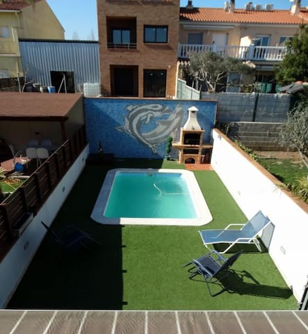 VILLA NES WITH PRIVATE POOL - Llagostera - Byhus
