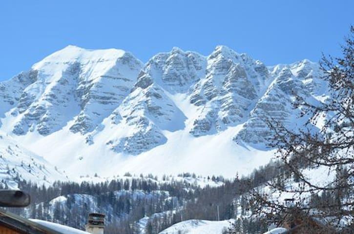 chalet la marmotte haut alpin - Vars - บ้าน