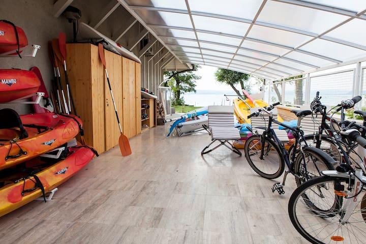 Small beachfront apartment - Balatonszárszó - Daire