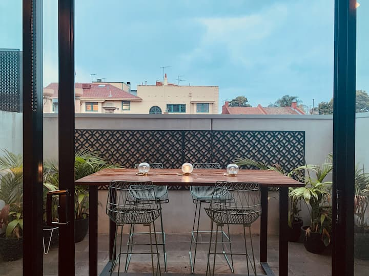 Courtyard Apartment -One bedroom fully furnished