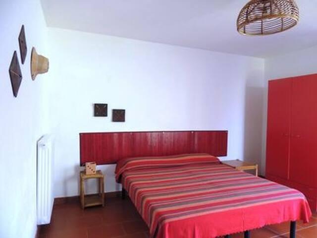 Doppelzimmer im Ferienhaus Tortoli, 700m z. Strand - Тортоли - Дом