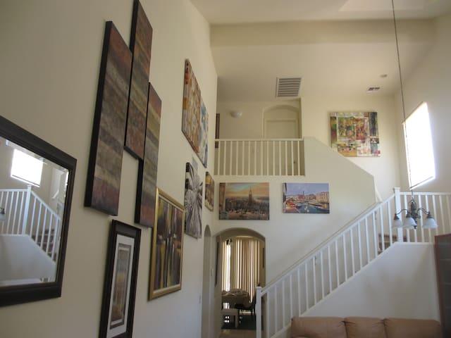 Art & Music & Wine & Golf Coorperate Housing