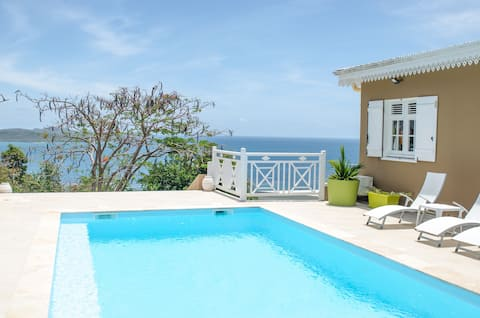 Ocean ( 2 pers .) in Creole villa with pool