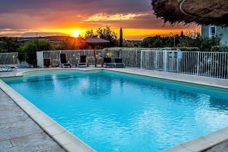 Chambre d'hôtel 3*tout confort, climatisé, piscine - Collias