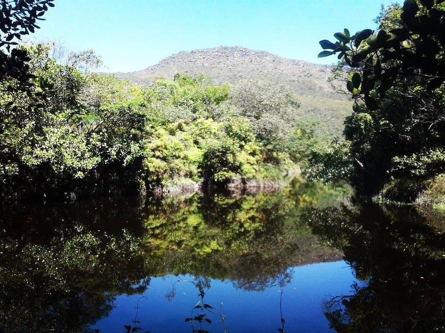Rio Privativo 150 metros da casa.