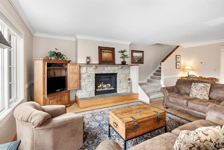 NEW LISTING!  3+ bedroom Overlook Home at Topnotch Resort and Spa