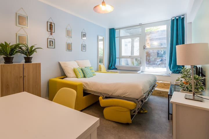 Montmartre - Sacré Cœur 4: cosy flat for 4