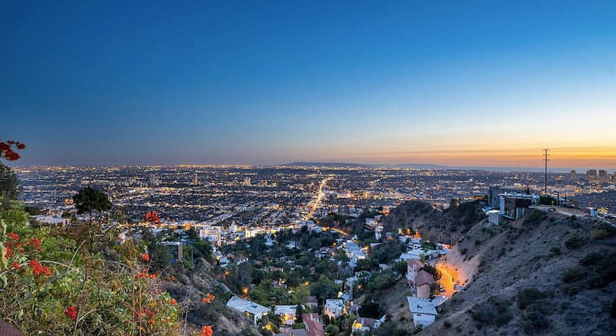 Heart of WeHo! Stunning w/ Breathtaking Views