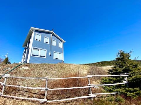 """The Studio House"" Cliffside Home, Ocean Views"