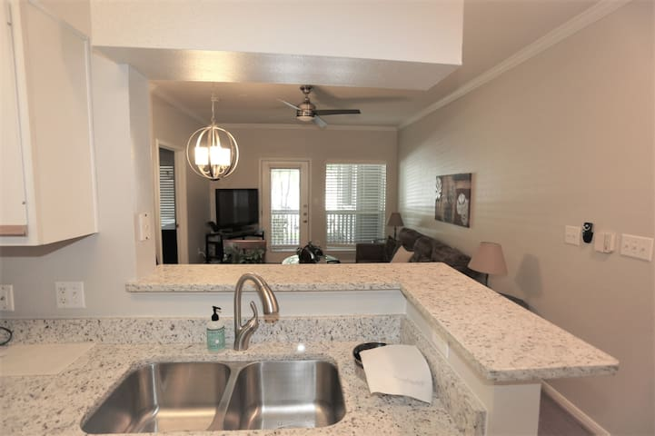 Rare TMC Opportunity-City Plaza 1 BR