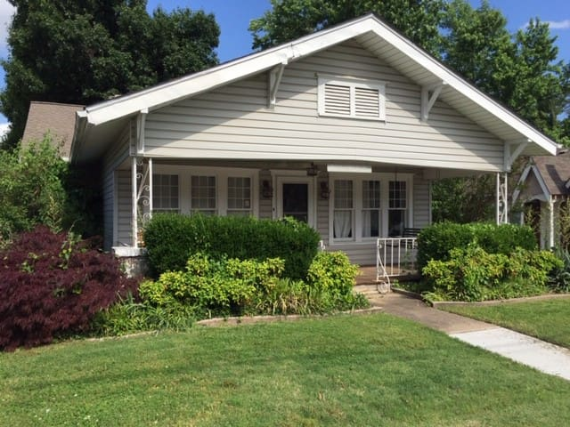 Route 66 Cherry Street Two Bedroom Bungalow