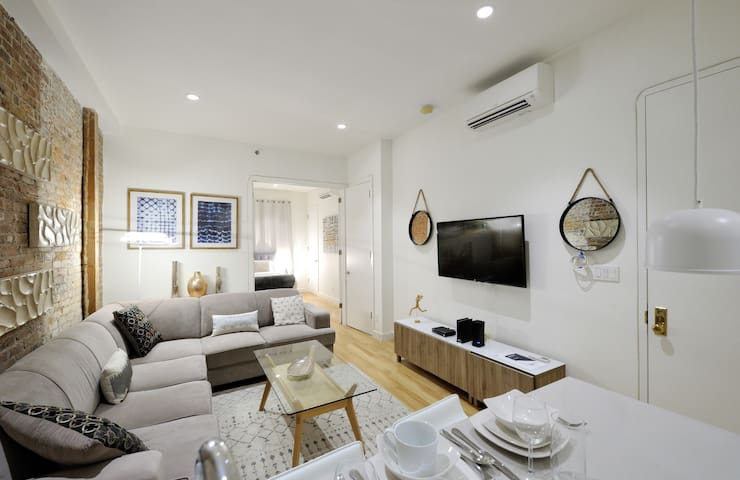 Premium Times Sqr 2 Bed 2 Bath ~ Rooftop + Laundry