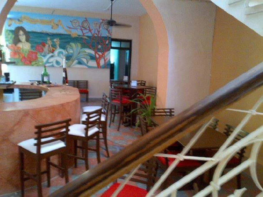 Zona Común: Bar y Restaurante.