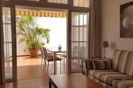 Moderno y tranquilo apartamento Playa San Agustín.