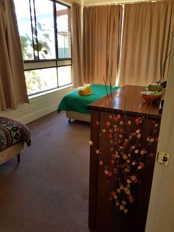 Stanhope Hotel / Motel room 7