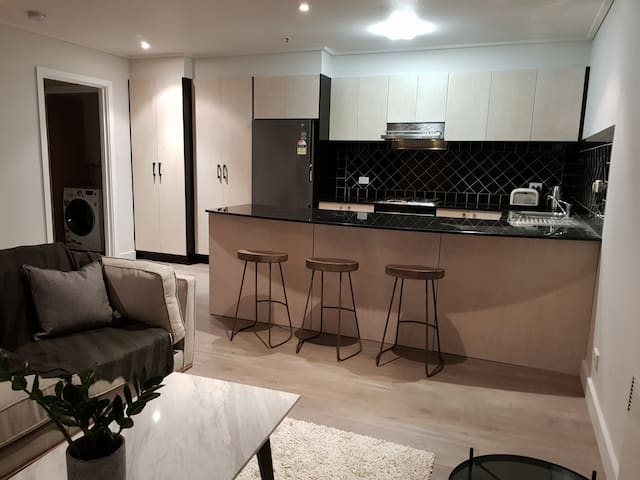 Designer Apartment on Burnley St Richmond