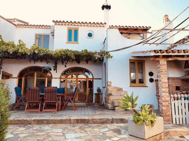 """""""Domu Degortes"""" Typical sardinian house 5 persons"""