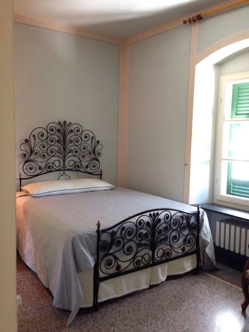 Monterosso double bedroom