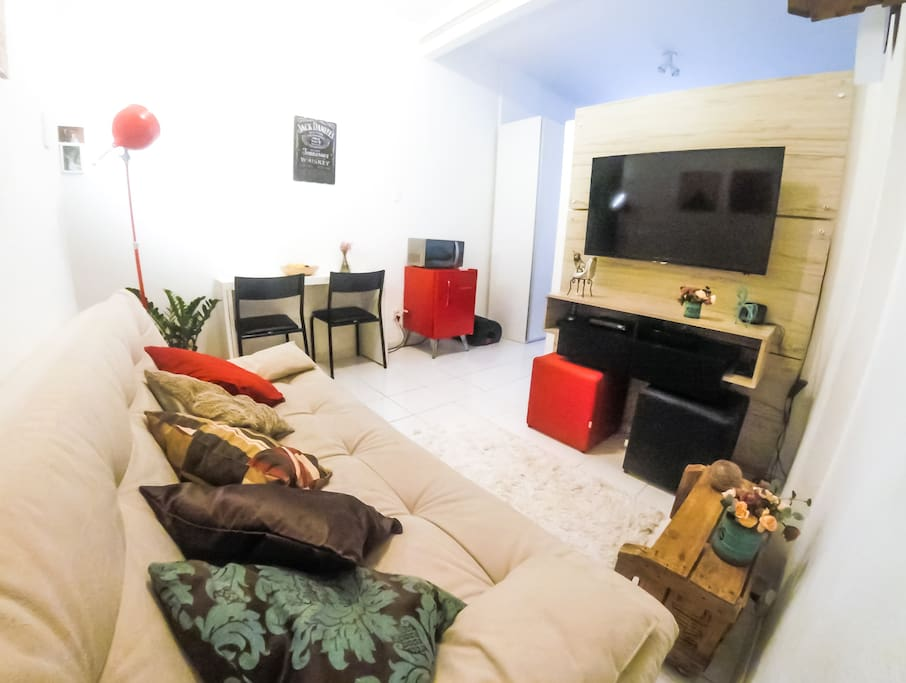 Modern, clean and comfortable apartment, with a really good location in Copacabana.