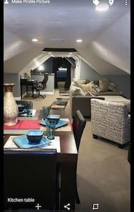 Modern, brand new 1200 square feet - Cumberland - 獨棟