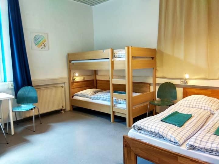Familienzimmer in ruhigem Hostel
