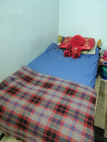 A private room with the full Zarqa experience