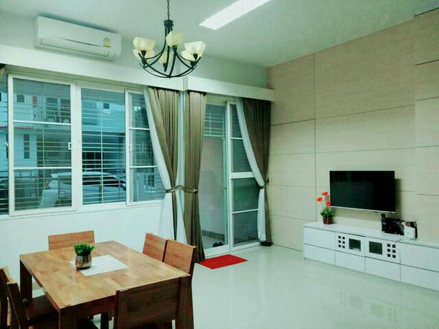S1 Sansuk  Home(8 min walk to Greenway market)