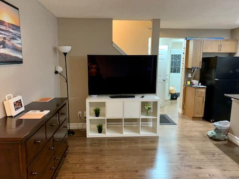 2 BDRM Entire Home Luxurious stay in Sherwood Park