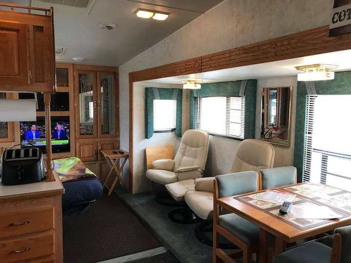 Cardinal Cabin RV, no additional fee's