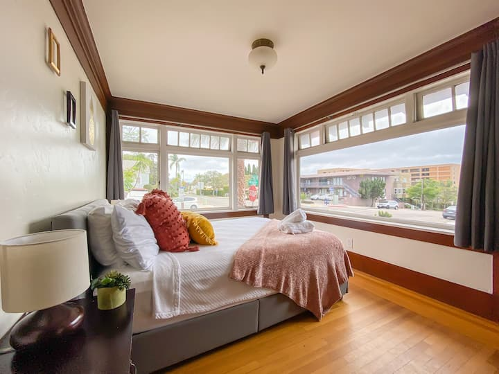 Bright BR+Best location= Steps to Balboa Park+Zoo!